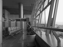 Vue intérieure de salle d'attente à l'aéroport de Tan Son Nhat dans Saigon, Vietnam Photographie stock
