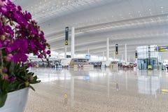 Vue intérieure de terminal de T2 dans l'aéroport de Baiyun Photo libre de droits