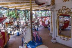 Vue intérieure de tour de fête foraine de carrousel, Chennai, Inde, le 29 janvier 2017 Image stock