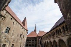 Vue intérieure du château de Huniazi Images libres de droits