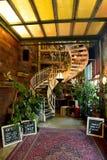 Vue intérieure du lobby de la Chambre du petit café de merveille à Berlin, Allemagne images stock