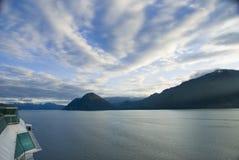 Vue Juneau Alaska de bateau de croisière photographie stock libre de droits