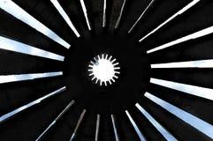 Vue jusqu'au ciel par le monument image stock