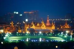 Vue kaew de palais, de Roi Palace, de Wat de phra grand ou temple de Bouddha d'émeraude la nuit Bangkok, Thaïlande Photo libre de droits