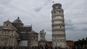Vue large de la tour penchée célèbre, Pise banque de vidéos