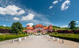 Vue lointaine au palais de Troja, Prague Image stock