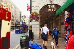 Vue Londres R-U de route de Piccadilly Image libre de droits