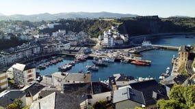 Vue Luarca, Asturies, Espagne de port Images libres de droits