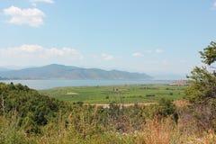 Vue magnifique au lac Florina Greece Prespes images stock
