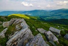Vue magnifique de la montagne de Runa images libres de droits