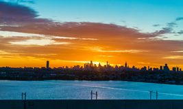 Vue Manhattan de lever de soleil Photos stock
