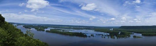 Vue maximale de fleuve de brochets Photographie stock libre de droits