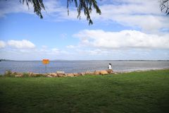Vue merveilleuse du bord de mer de Guaiba à Porto Alegre, Brésil images libres de droits