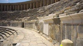 Vue mobile folle d'amphithéâtre antique banque de vidéos