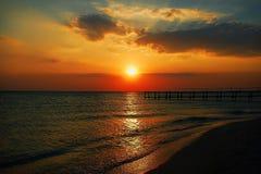 Vue naturelle de coucher du soleil de mer image libre de droits