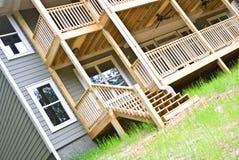 Vue neuve de maison/porche Photographie stock libre de droits