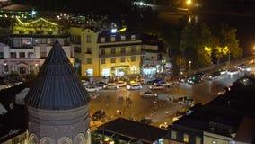 Vue Nocturne Du Quartier Historique D'Abanotubani Place Vakhtang Gorgasali, Tbilissi banque de vidéos