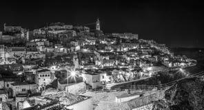 Vue nocturne panoramique de Matera, Italie Photo libre de droits