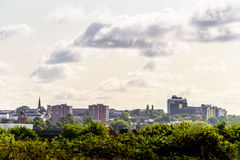 Vue nuageuse de paysage urbain de jour de Northampton R-U Photos libres de droits