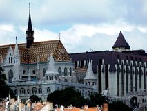 Vue panoramique à Budapest avec l'église de Matthias image libre de droits