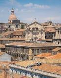 Vue panoramique à Catane du dôme du ` Agata de Badia di Sant, avec l'église de la façade de San Benedetto La Sicile, Italie photo stock