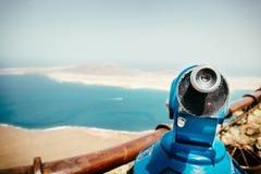 Vue panoramique à l'île de Graciosa de La du point de vue de Rio de del de Mirador Photos stock