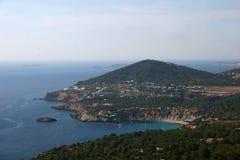 Vue panoramique, île d'Ibiza (Cala d'Hort) photographie stock