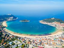 Vue panoramique aérienne de San Sebastian photos stock
