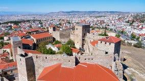 Vue panoramique aérienne du vieux château bizantin dans la ville de photographie stock