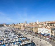 Vue panoramique aérienne sur le vieux port à Marseille Image stock