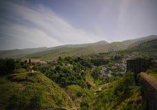 Vue panoramique au château de Gjirokastra avec le mur, Gjirokaster, Albanie Image libre de droits