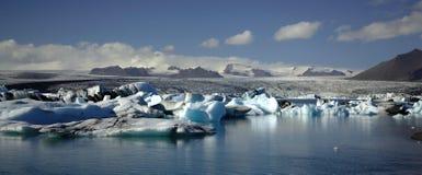 Vue panoramique au-dessus des centaines d'icebergs Photographie stock libre de droits
