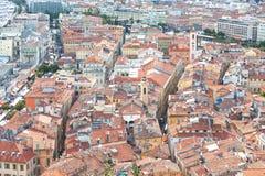 Vue panoramique au-dessus des dessus de toit de Nice Photo libre de droits