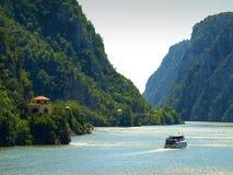 Vue panoramique au-dessus du canyon du Danube chez Dubova, Roumanie photographie stock