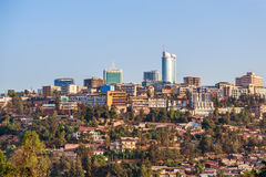Vue panoramique au district des affaires de ville de Kigali, Rwanda, image stock