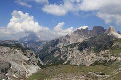 Vue panoramique autour de Tre Cime Photographie stock libre de droits