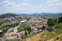 Vue panoramique d'Amelia. L'Ombrie. L'Italie. Photo stock
