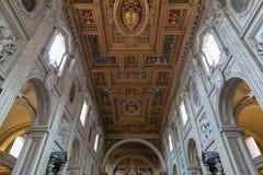 Vue panoramique d'int?rieur de la basilique de Lateran (Archbasilica papal de St Joh images stock