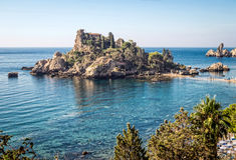 Vue panoramique d'Isola Bella (belle île) : petite île n Image libre de droits