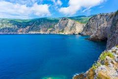 Vue panoramique de baie dans le village d'Assos dans Kefalonia, Grèce photo libre de droits