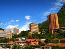 Vue panoramique de Baile Herculane, comté de Caras-Severin, Roumanie photos stock