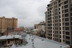 Vue panoramique de Bakou Ciel nuageux downtown Capitale de l'Azerbaïdjan Photos stock