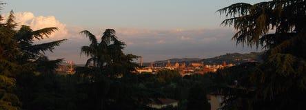 Vue panoramique de Bologna : église de San Petronio, cathédrale de San Pietro, tour d'Asinelli photographie stock libre de droits