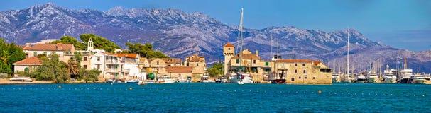 Vue panoramique de bord de mer de Kastel Gomilica Photo stock