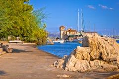 Vue panoramique de bord de mer de Kastel Gomilica Images libres de droits