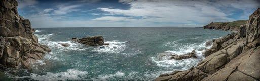 Vue panoramique de côte Angleterre des Cornouailles photographie stock