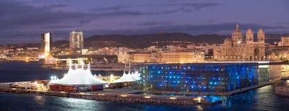 Vue panoramique de cathédrale de Marseille et de MUCEM Photos stock
