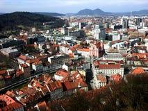 Vue panoramique de ci-dessus au centre de la ville de Ljubljana Images stock