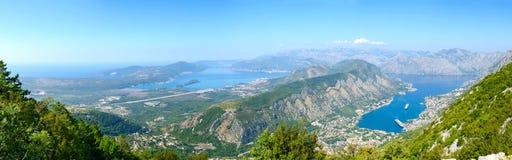 Vue panoramique de ci-dessus de la baie de Kotor et de Tivat, Monténégro Photos libres de droits