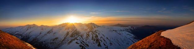 Vue panoramique de coucher du soleil à la montagne occidentale de tatra Photo libre de droits